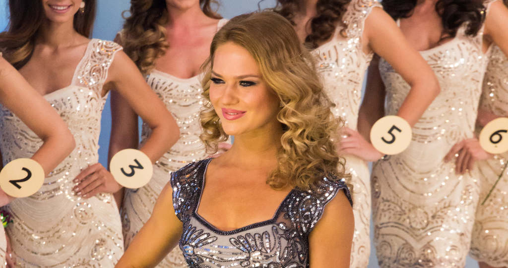 Rájárt a rúd a magyar szépségkirálynőre, így néz ki most a feneke