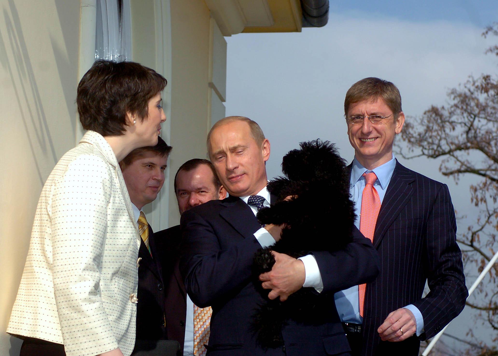 Gyurcsány miniszterelnökként még Putyin hátát simogatta - Ripost