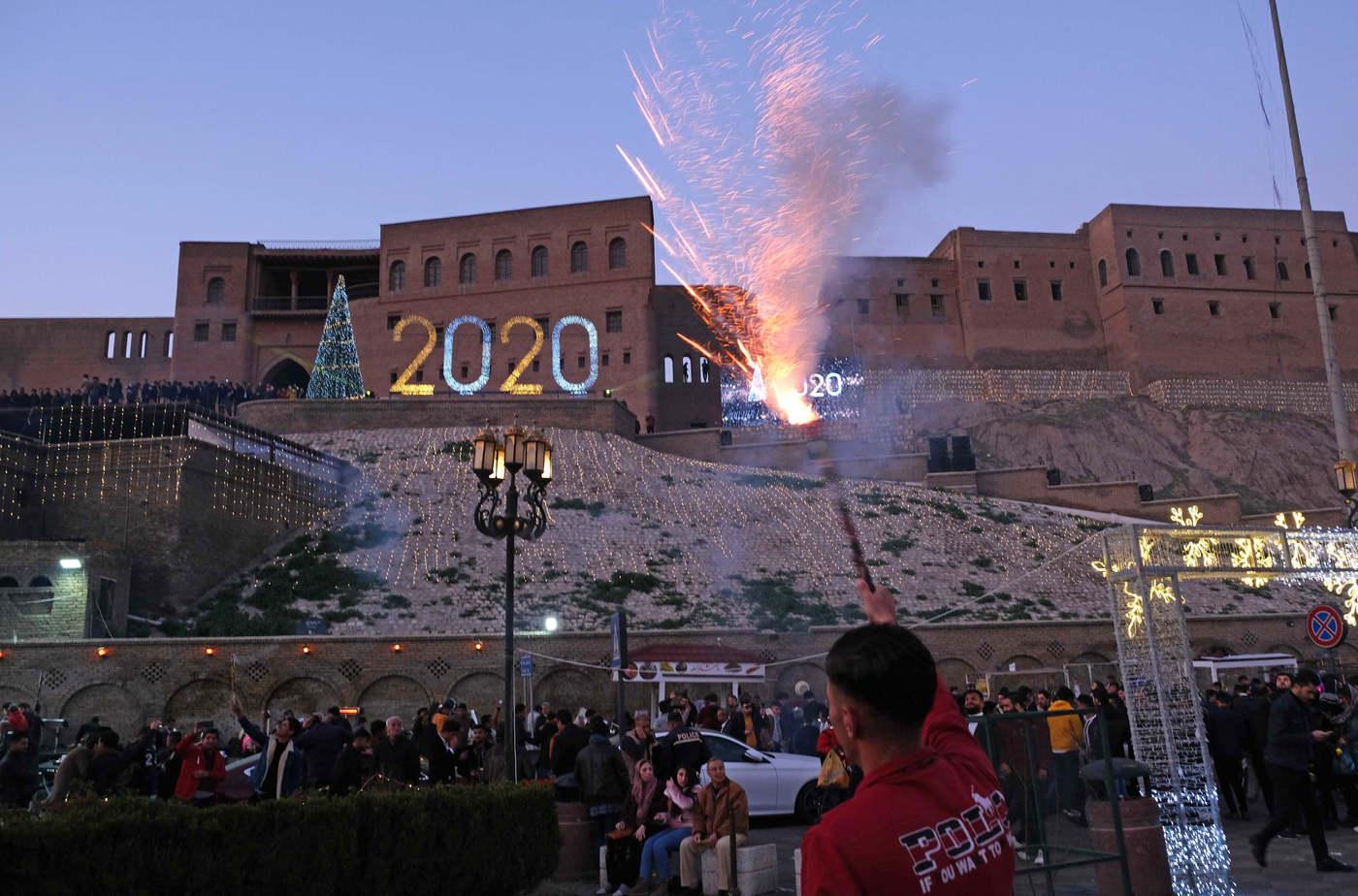 Ünnepség Erbil citadellája előtt