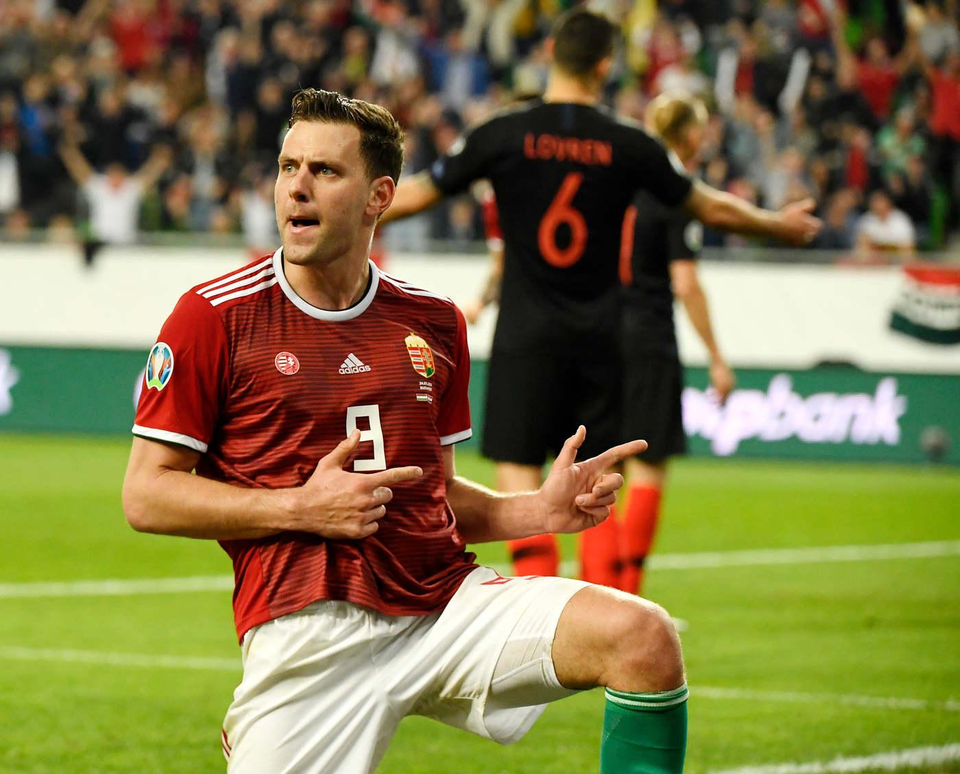 Március: Amire senki nem gondolt volna: a magyar fociválogatott Szalai Ádám góljának is köszönhetően 2-1-re legyőzte a világbajnoki ezüstérmes Horvátországot. Walest is legyűrtük a selejtezőn, de az Eb-re egyelőre így sem jutottunk még ki.