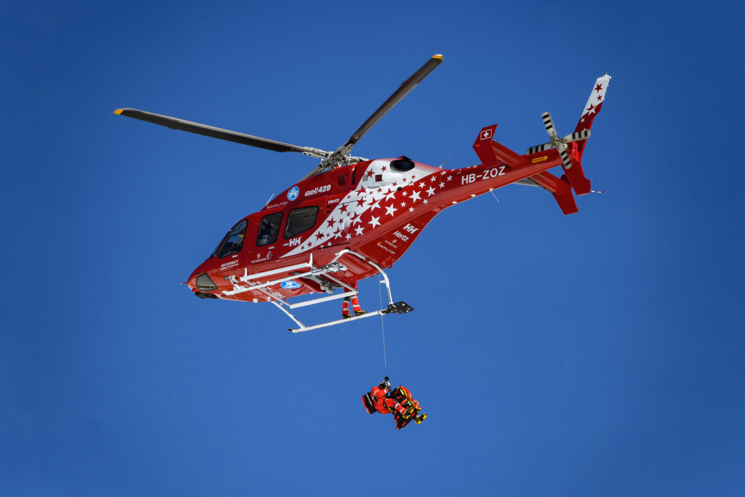 A fuldokló kisfiút helikopterrel vitték kórházba