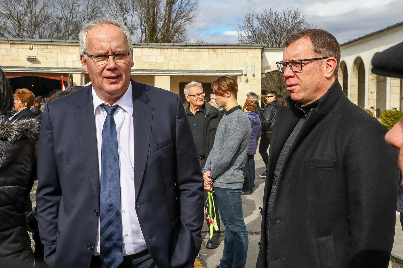 Wladár Sándor, a MÚSZ elnöke (balra) és Märcz Tamás, a férfi vízilabda-válogatott szövetségi kapitánya