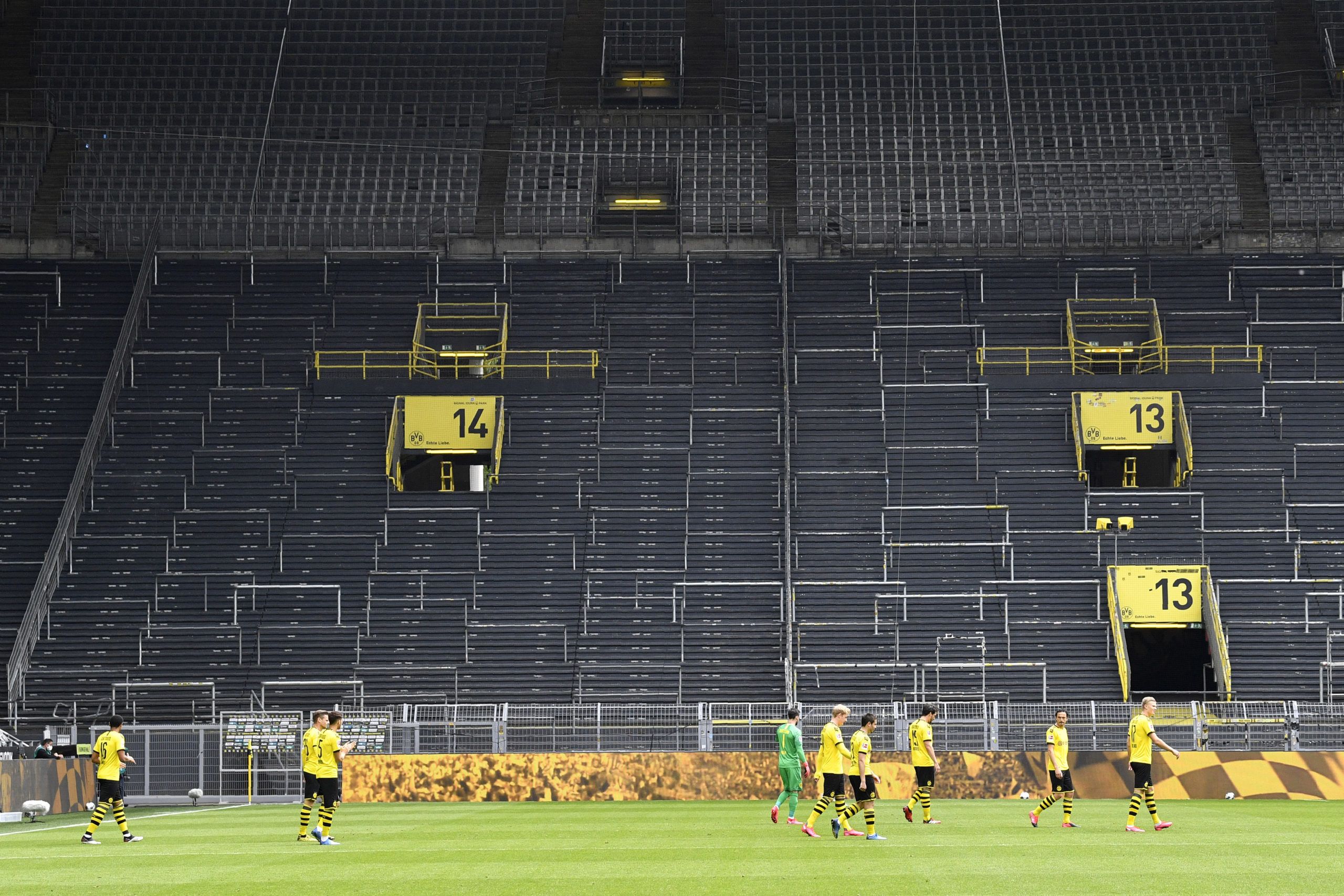 Máskor Dortmundban 80 ezer ember tombol