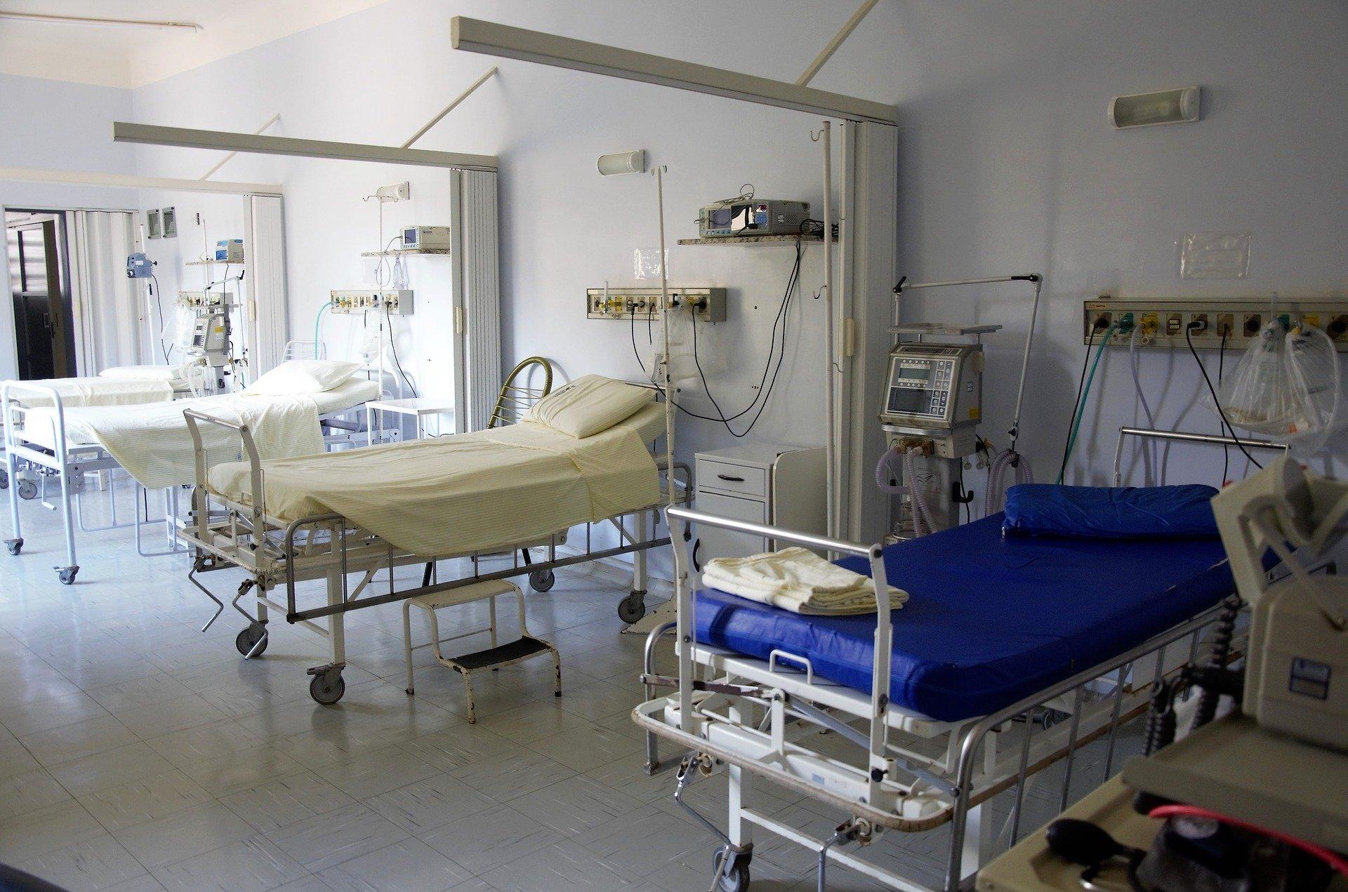 Ollóval szúrta le betegtársát a kórházban