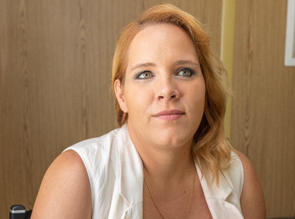 Tóth Vera kiborult, az énekesnőt az őrületbe kergeti a kutyaugatás