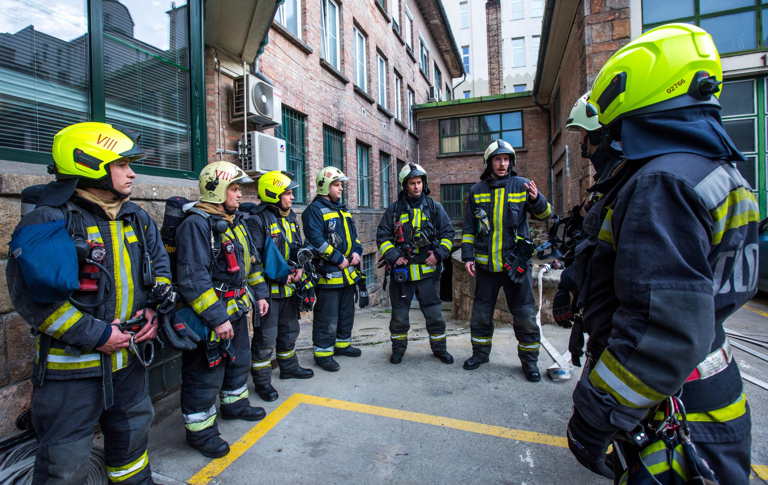 Ma van a tűzoltók napja