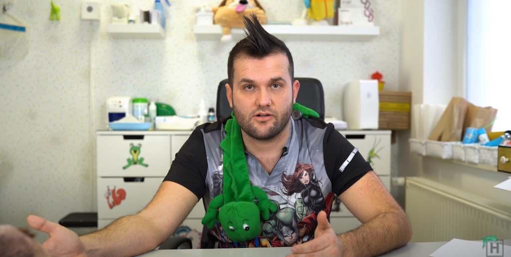 Dr. Novák Hunor megint odavágott: vérlázító, mit találtak ki a vírustagadók