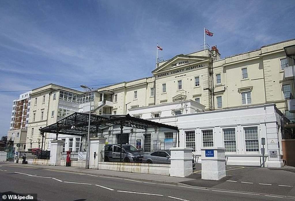Átnevezték az anyatejet emberi tejnek a Brighton és Sussex Egyetemi Kórházban