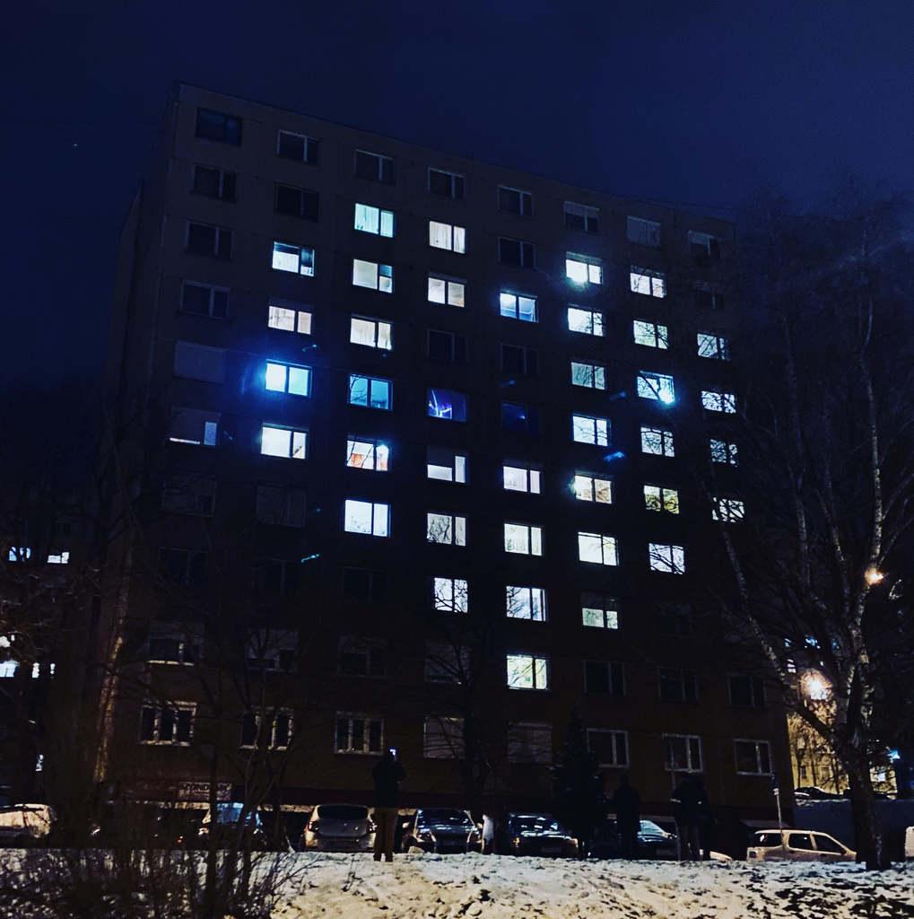 Nyolc emeletnyi szív Valentin-nap alkalmából Miskolcon