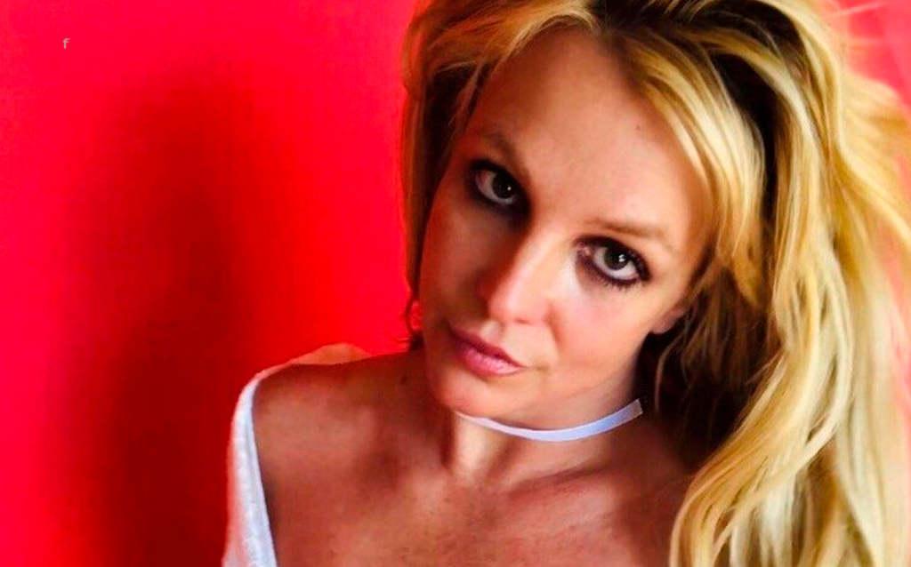 Kétségbeesett segélykiáltás: mit akar üzenni Britney Spears?