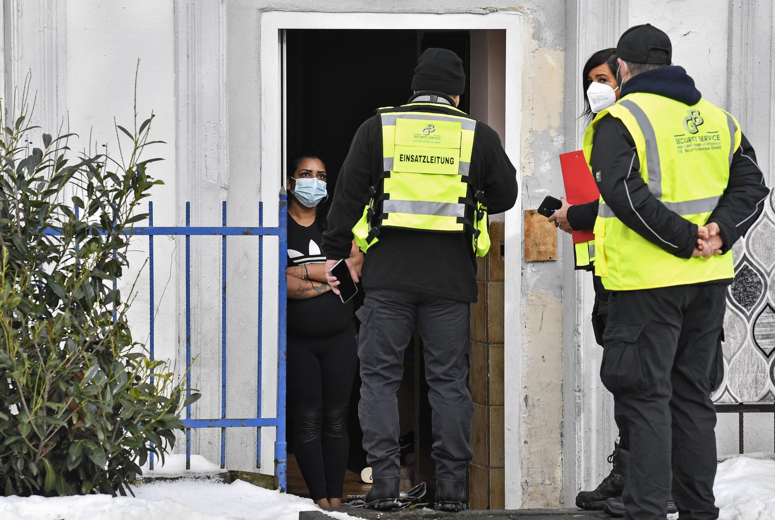 Németországban vesztegzár új mutáns vírus miatt