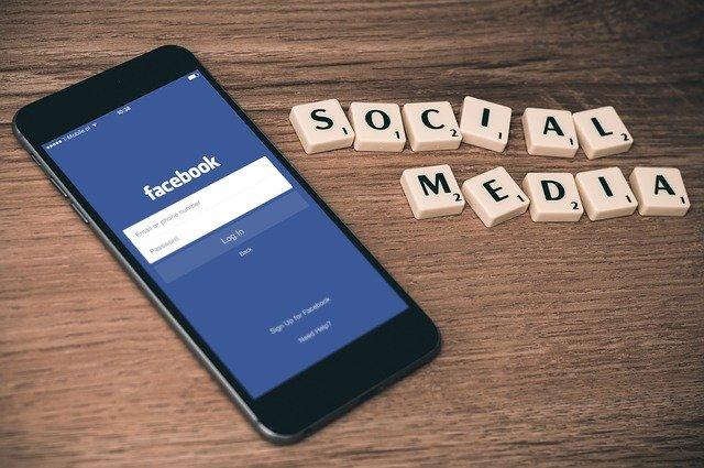 A titkos Facebook-csoportokban olyasmik történnek, amit a civilek nem láthatnak.