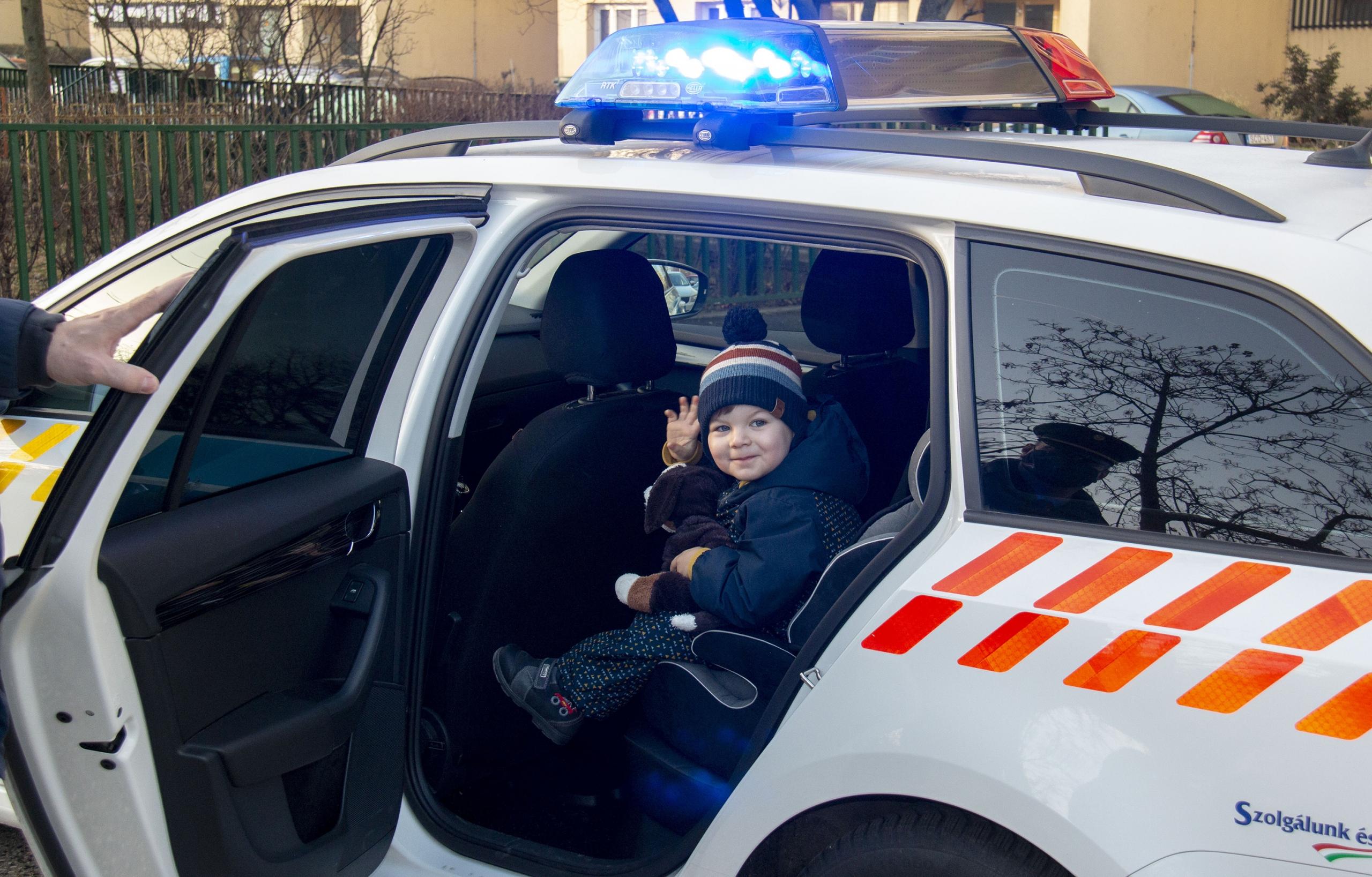 Valóra váltották a kis Zétény álmát a rendőrök