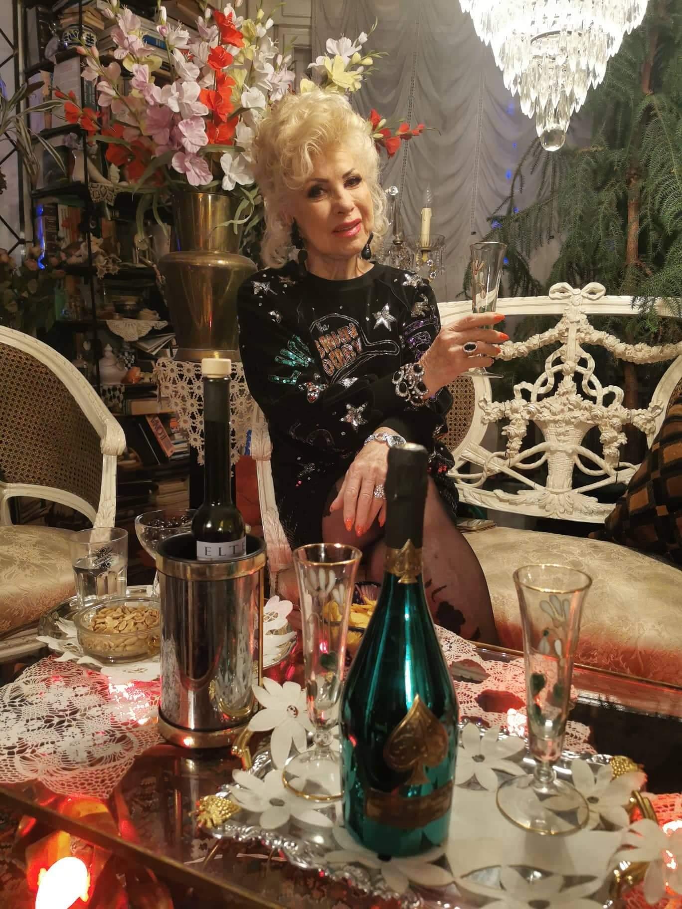 Születésnapjára Medveczky drága pezsgőt kapott