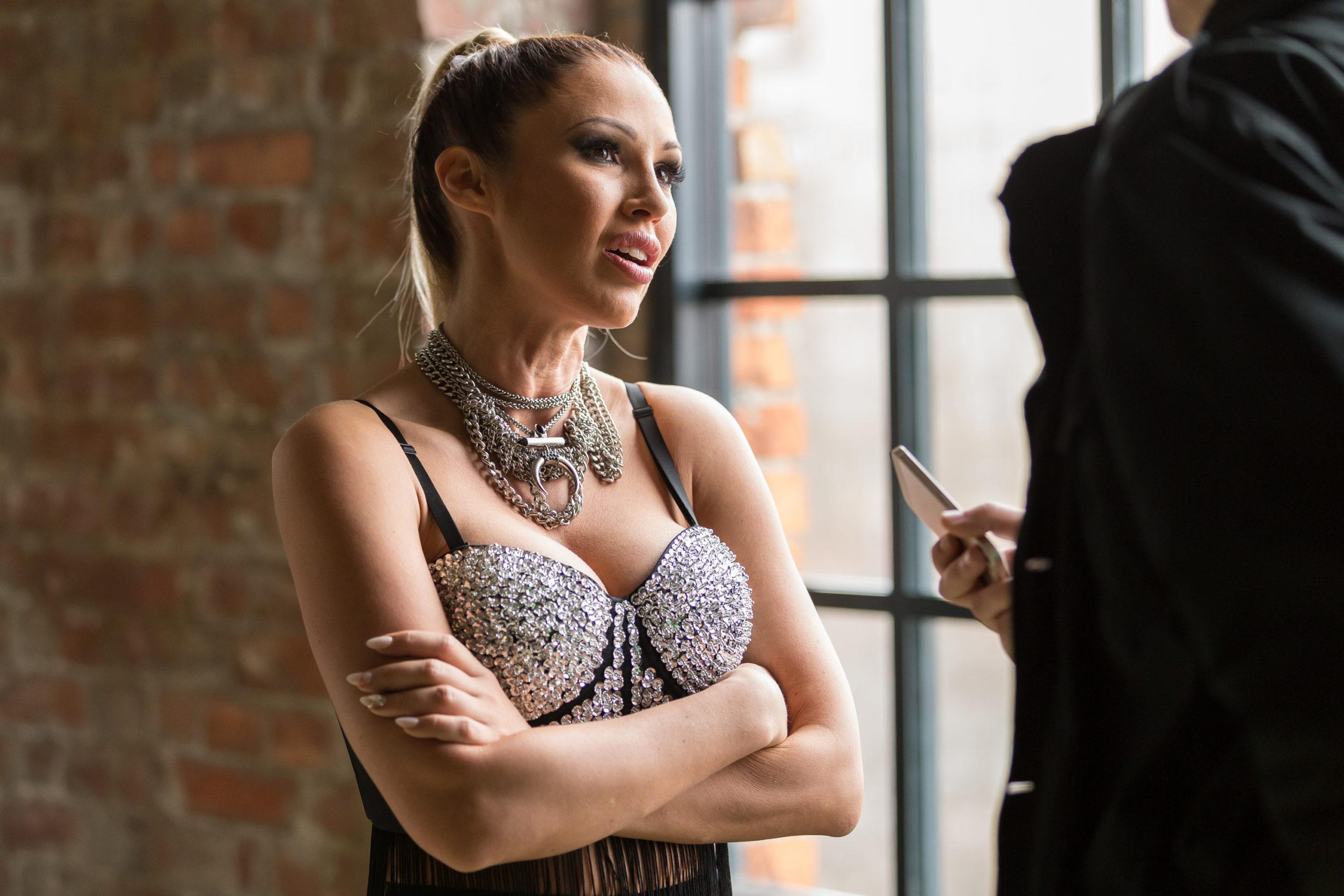 Kustánczi Lia elismerte, hogy jó kapcsolatban van a milliárdos üzletemberrel