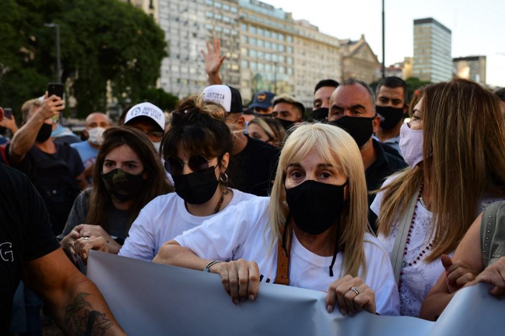 Maradonát megölték – kiabálta a tömeg, amelyben Claudia Villafane is ott volt