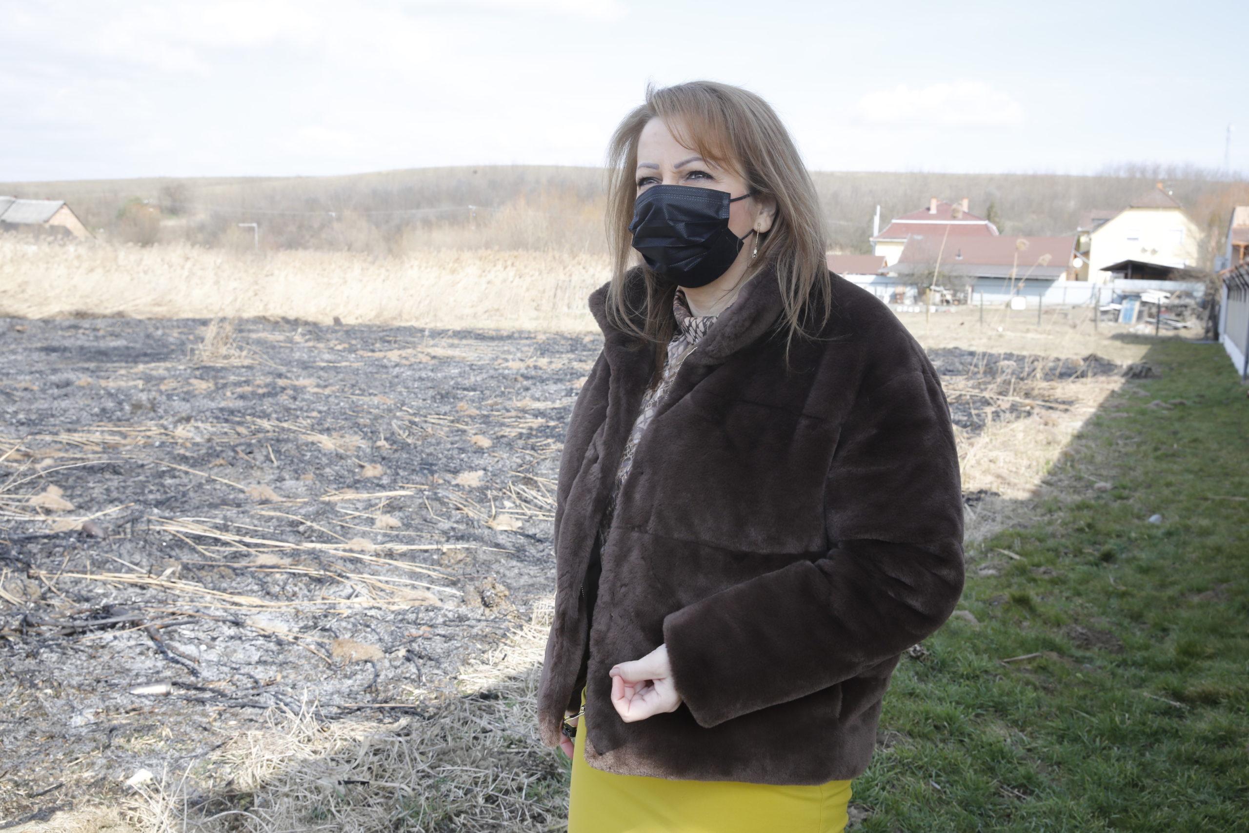 Gáspár Bea a tűz helyszínén