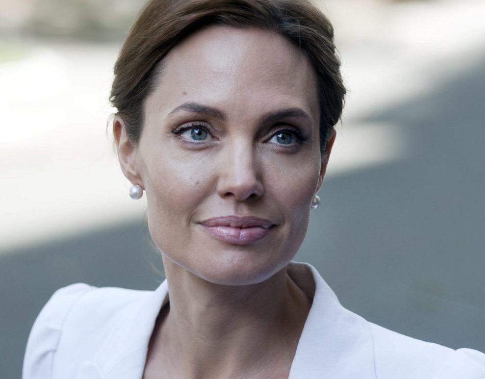 Angelina komoly vádakkal állhat elő