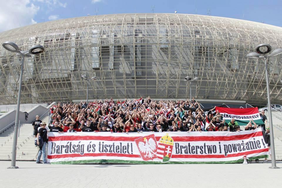 Magyar-lengyel, két jó barát: a két szurkolótábor remek viszonyt ápol