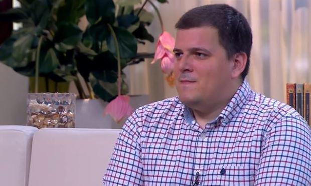 Klapka György kisebbik fia, Dennis nem túl szerencsés a magánéletben