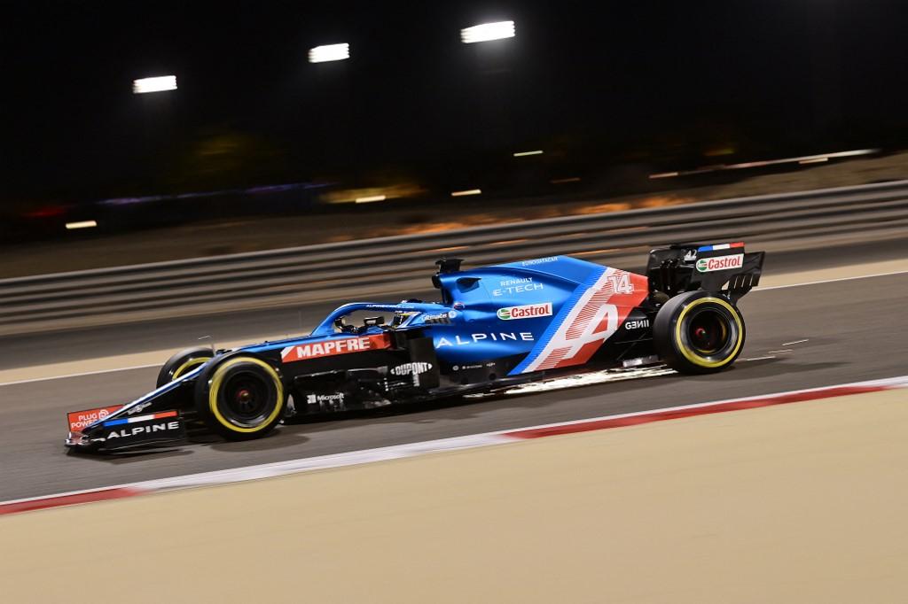 Fernando Alonso futamot egy szendvicspapír tette tönkre