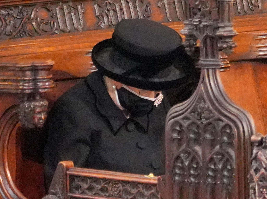 Tragédia történt Fülöp herceg temetésének napján, újabb csapás érte a királynőt