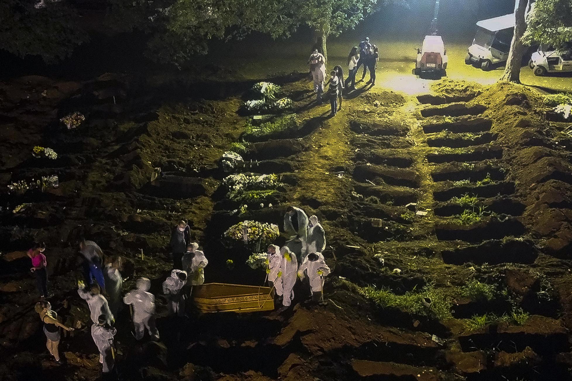 Tömegsírokat ásnak Brazíliában a koronavírusban elhunytak számára