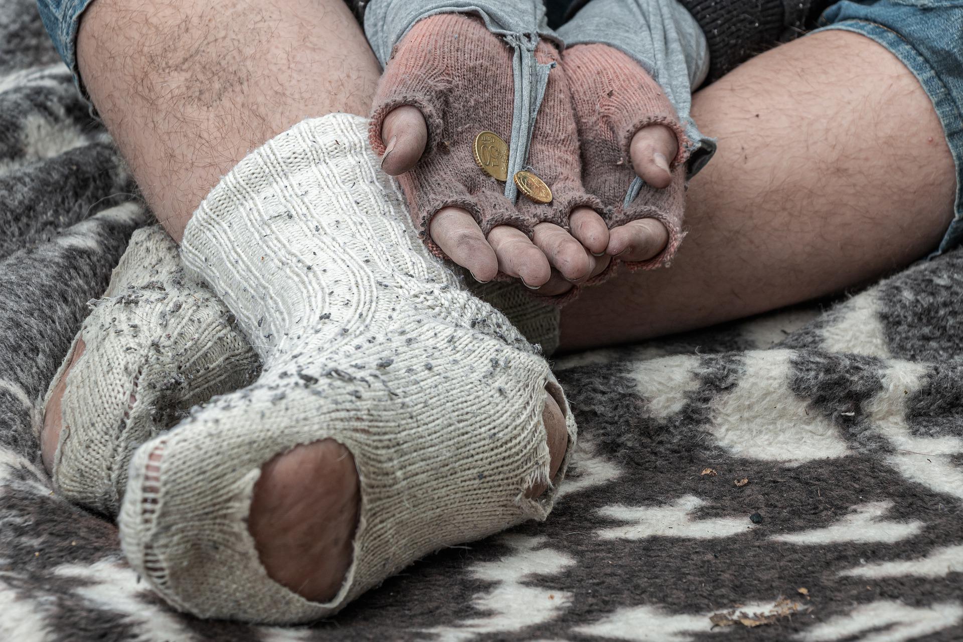 Leköhögi az embereket a hajléktalan