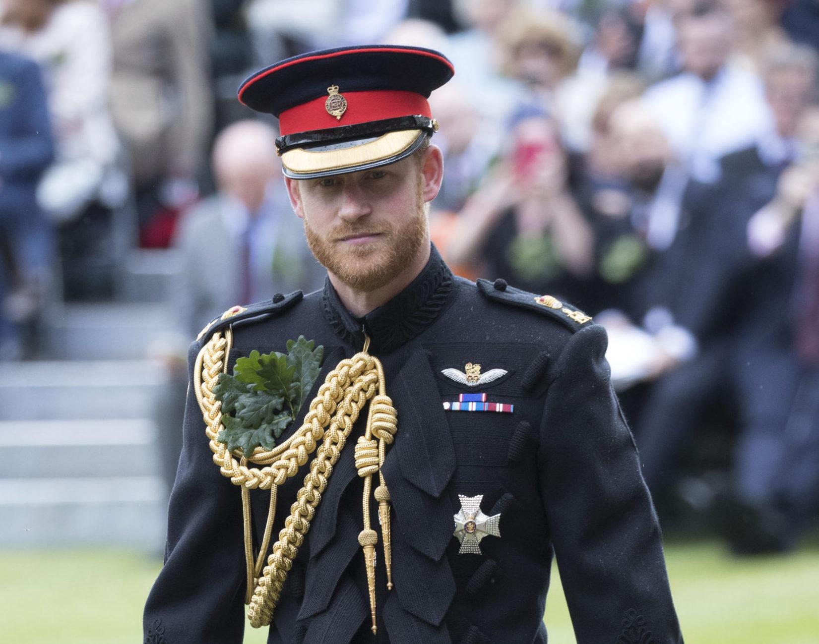 Harry herceg nem viselhet egyenruhát Fülöp temetésén