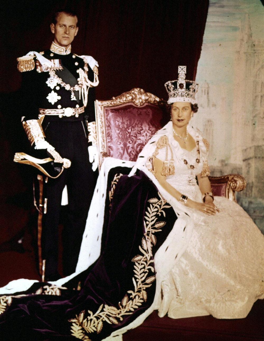 II. Erzsébet megkoronázása után minden megváltozott az életükben