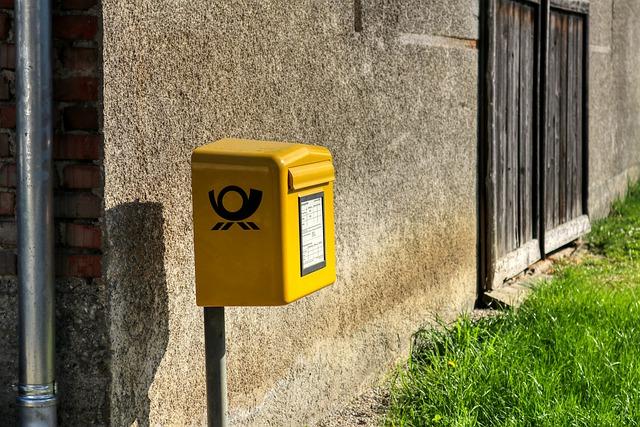 A postás ellopta a kézbesítendő pénzeket