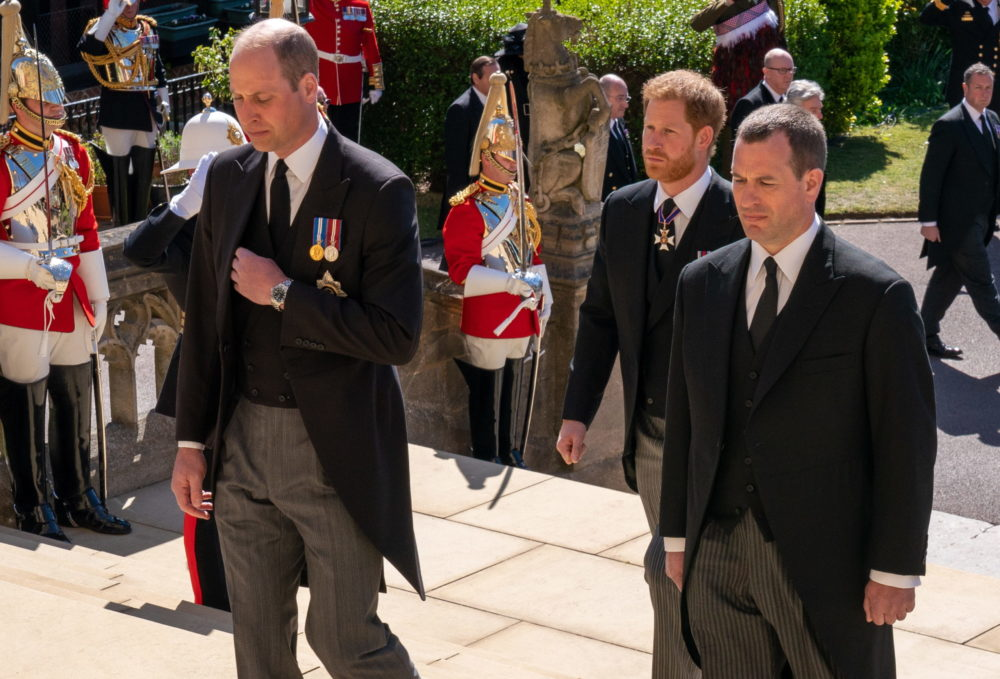 Vilmos, Harry és Peter Phillips a nagyapjuk temetésén