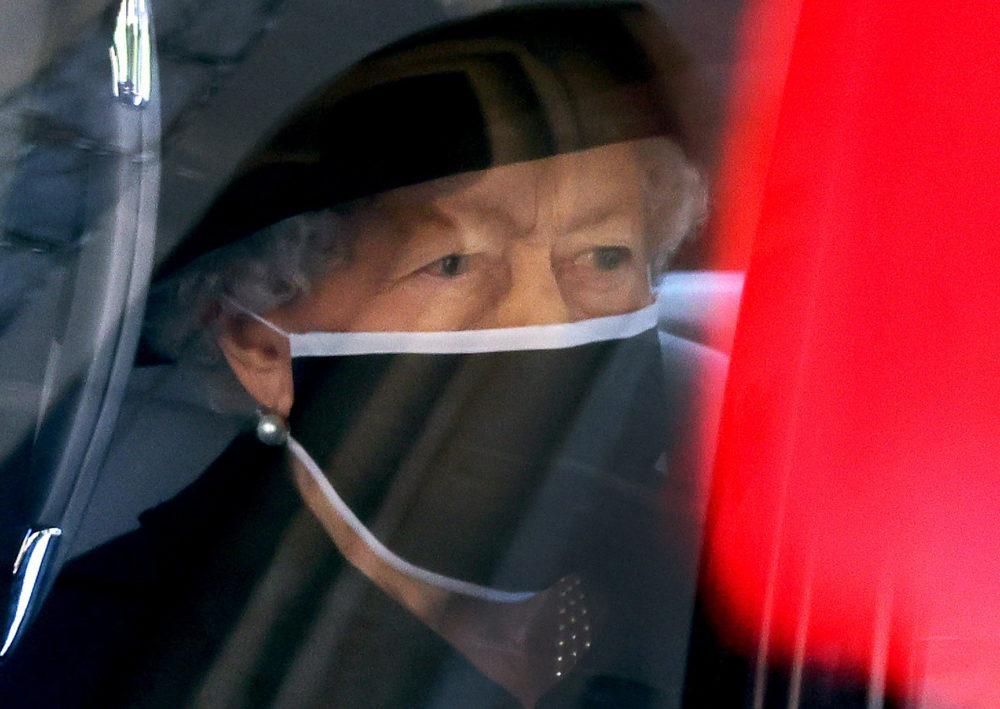 Üzent a gyászoló II. Erzsébet