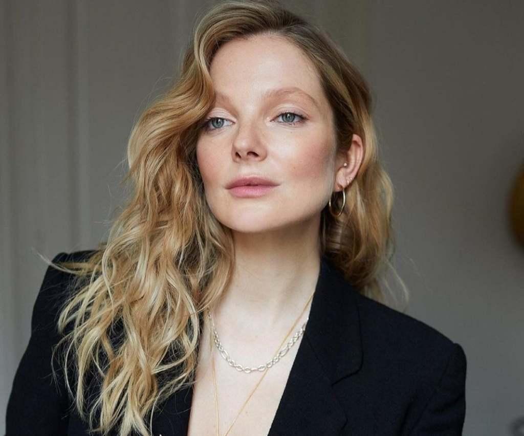 Te jó ég: Hatalmasra duzzadt szülés után a magyar modell melle