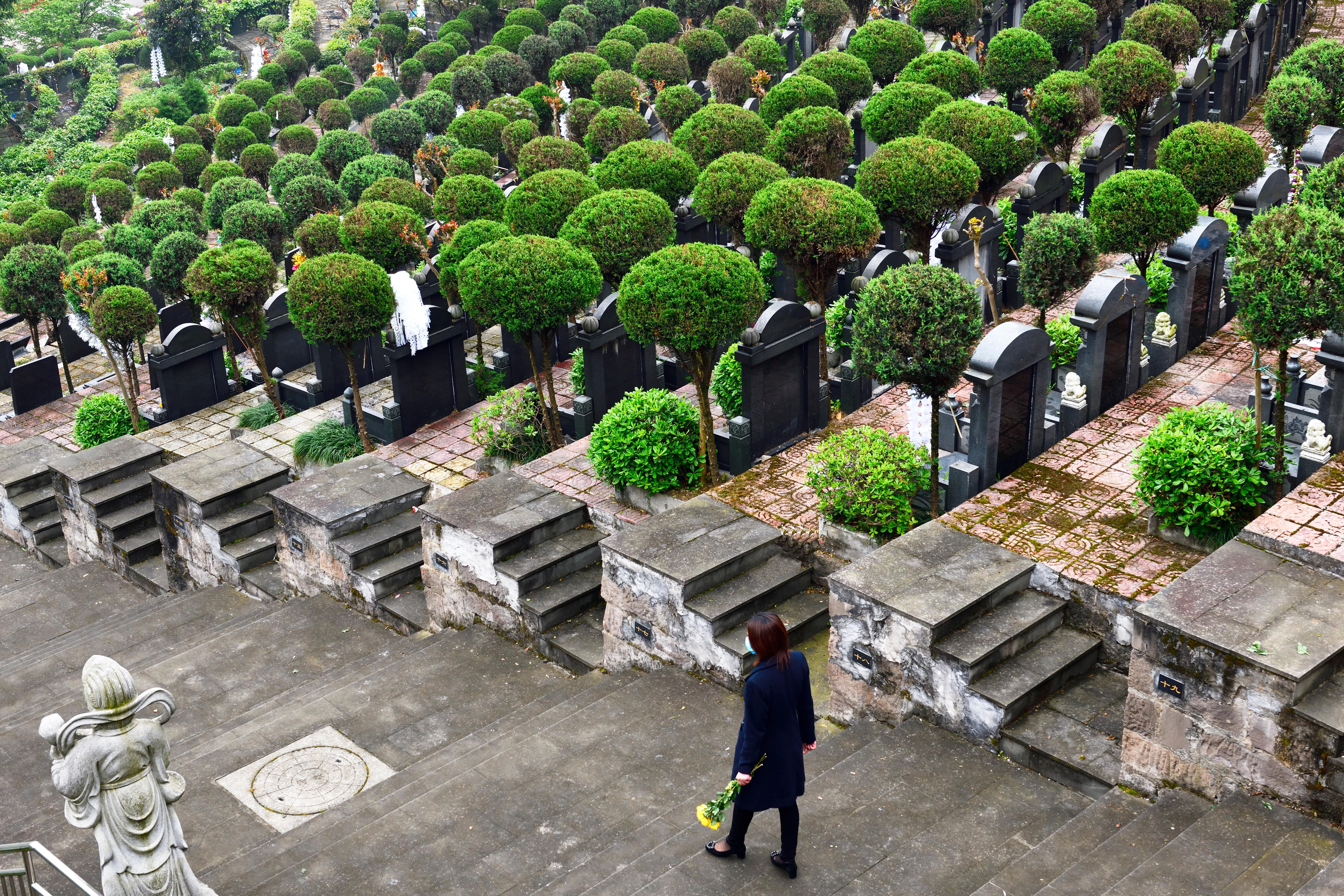 Sokkot kaptak a nyugdíjas turisták: festői táj helyett temetőbe vitték őket