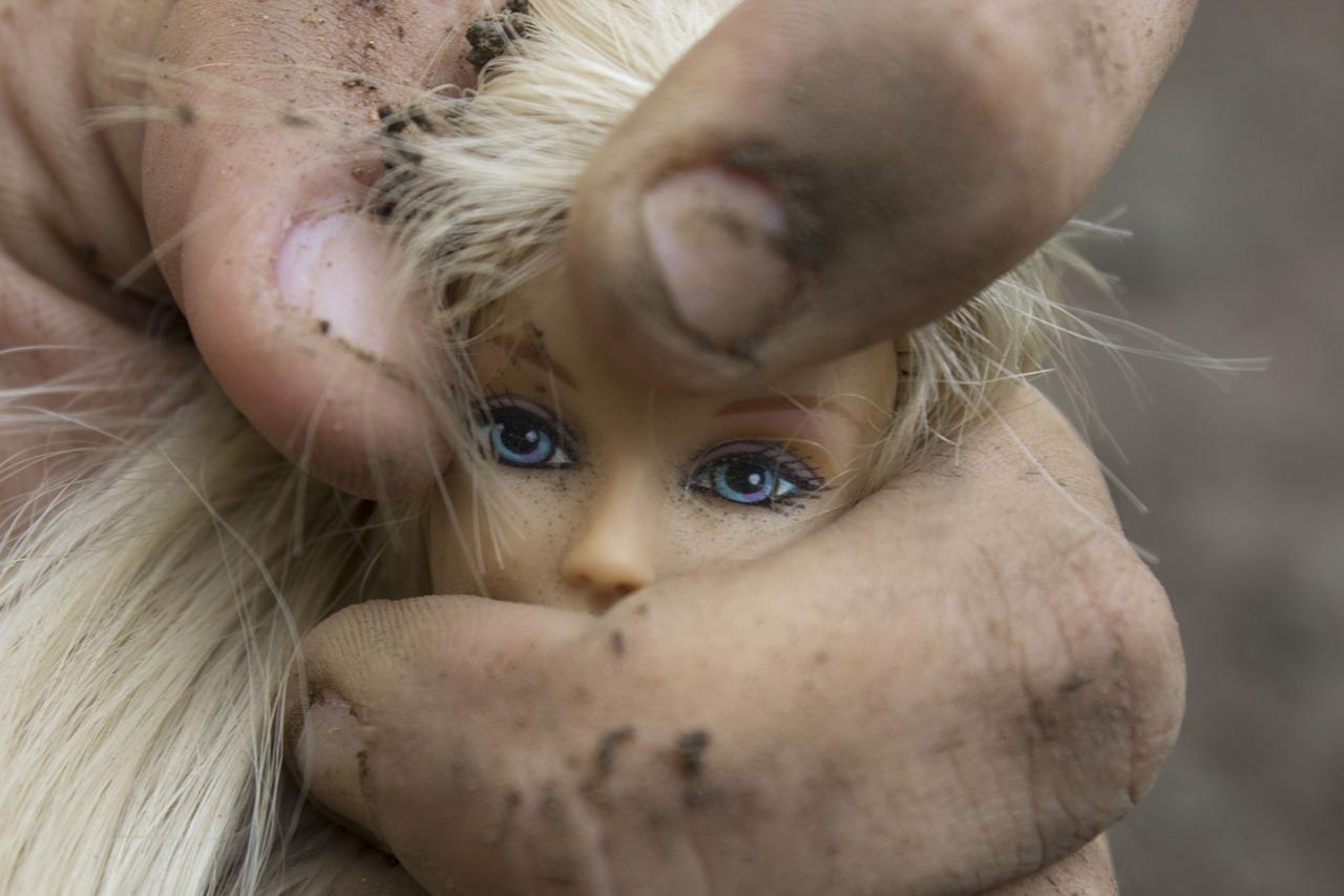 Hamis vallomás: a fiatal lány azt állítja, hazudott az apjáról
