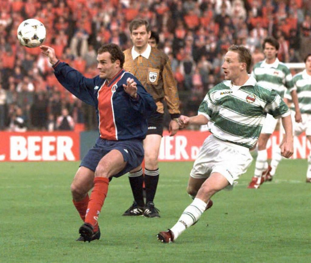 Stöger (jobbra) a párizsi Vincent Guérin mellett az 1996-os brüsszeli KEK-döntőn