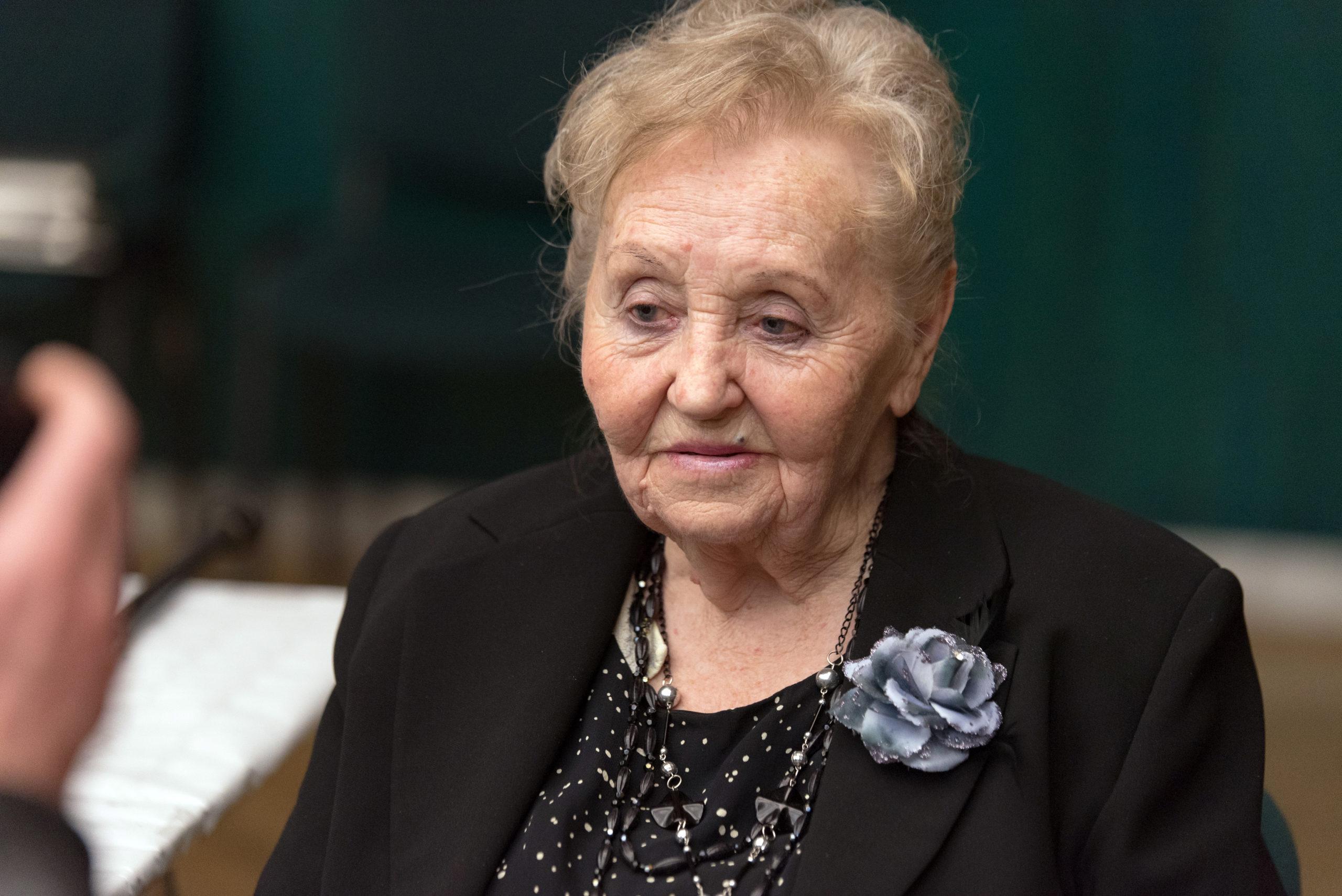 Zámbó Jimmy édesanyja továbbra is kórházban van