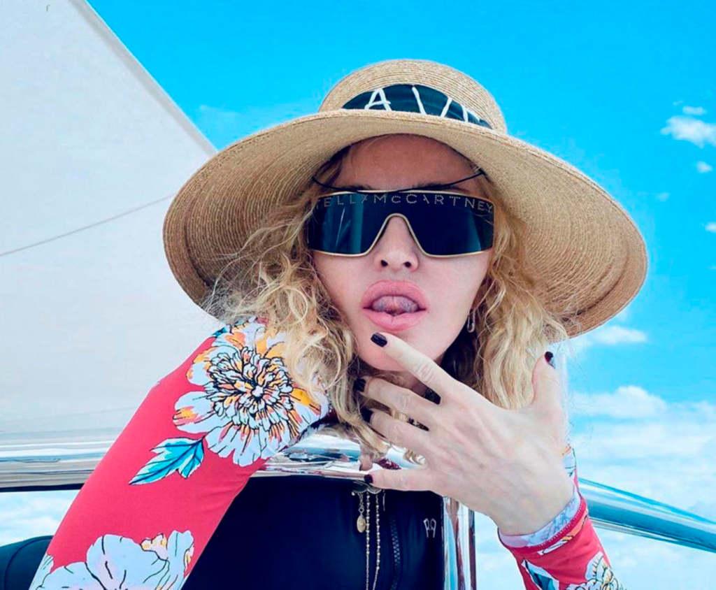 Madonna merészet posztolt... ismét