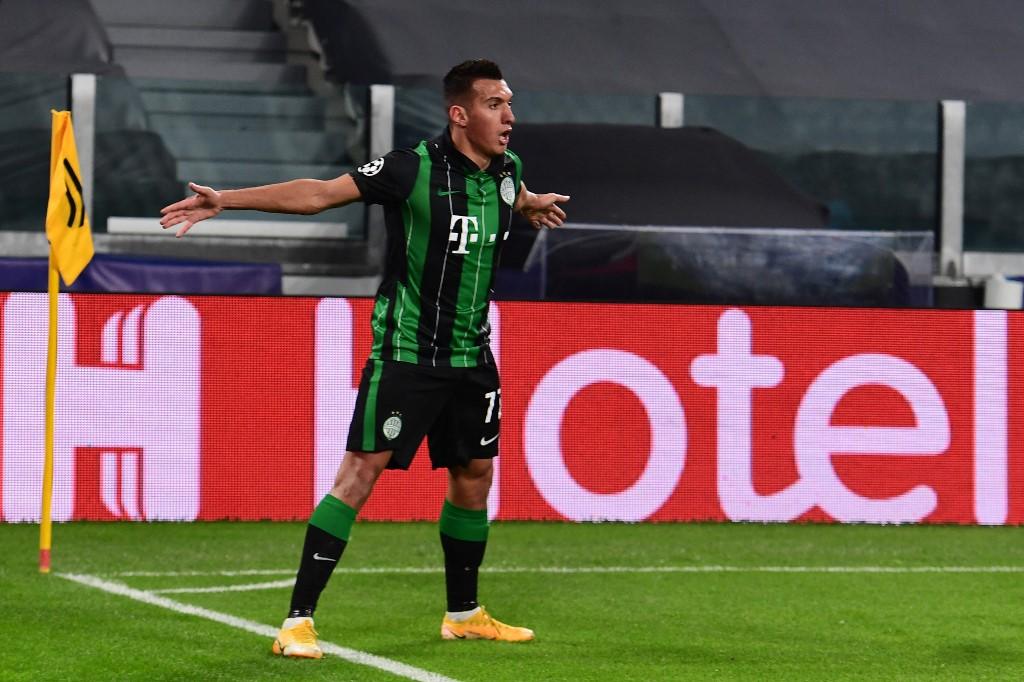Uzuni az előző szezonban 36 tétmeccsen 15 góllal és 6 gólpasszal segítette a csapatát