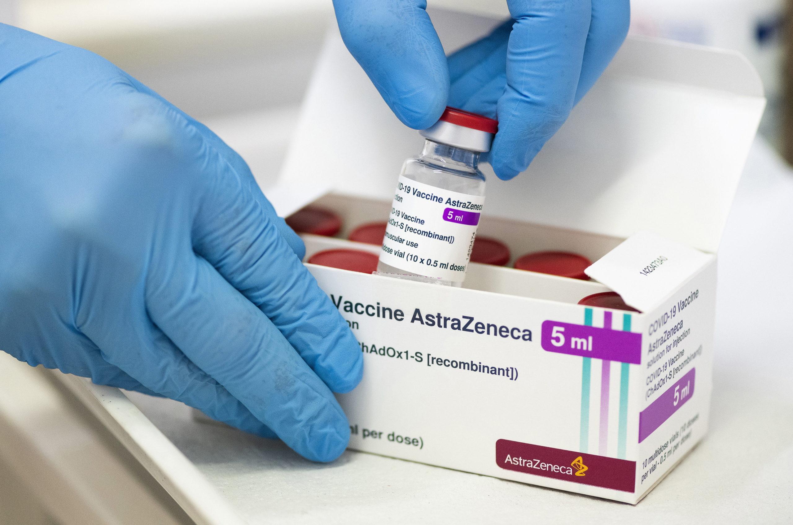 Szakértő nyilatkozott az AstraZeneca vakcina hatásairól