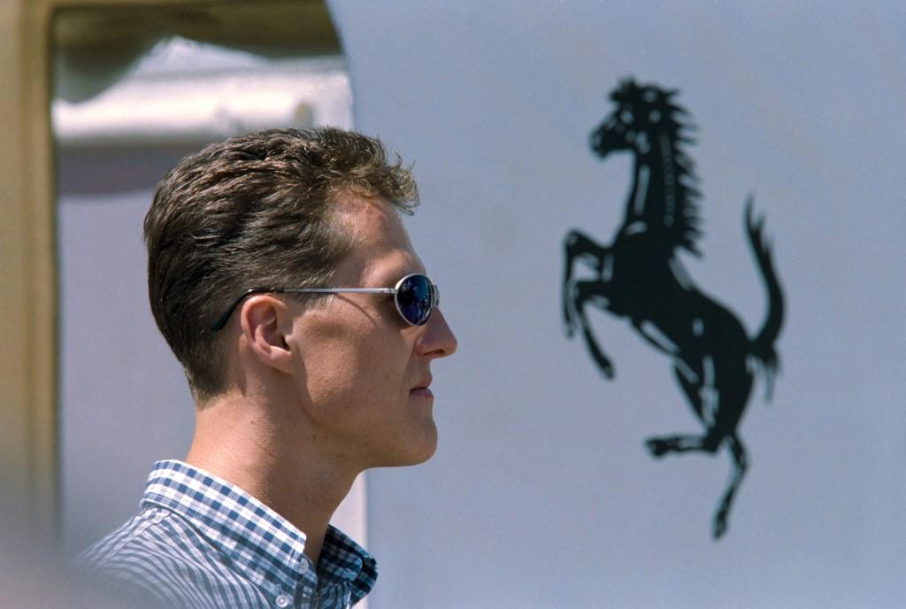 Michael Schumacher a 25 évvel ezelőtti Spanyol Nagydíjra érkezve