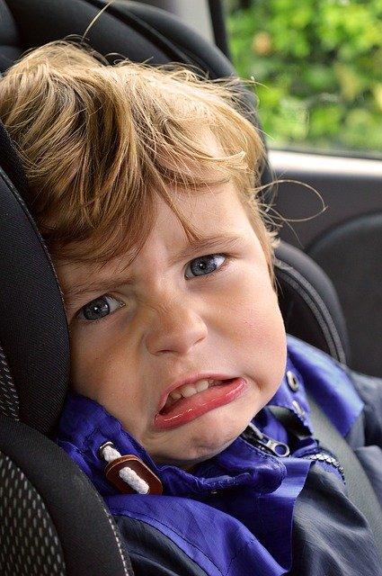 autóban hagyott gyerek