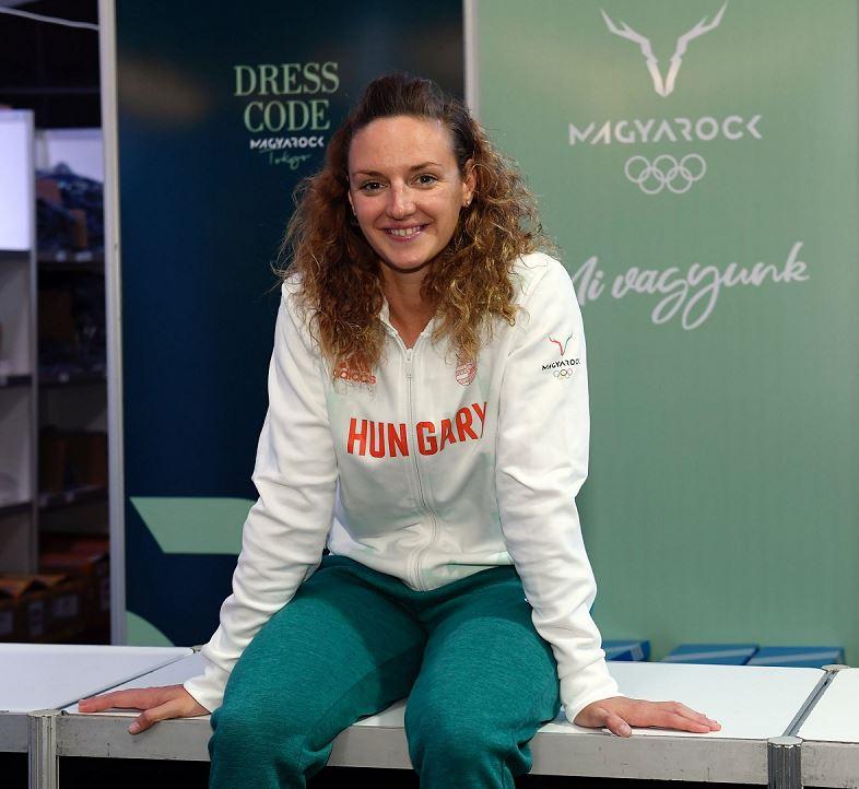Hosszú Katinka az olimpiai ruhaátvételen