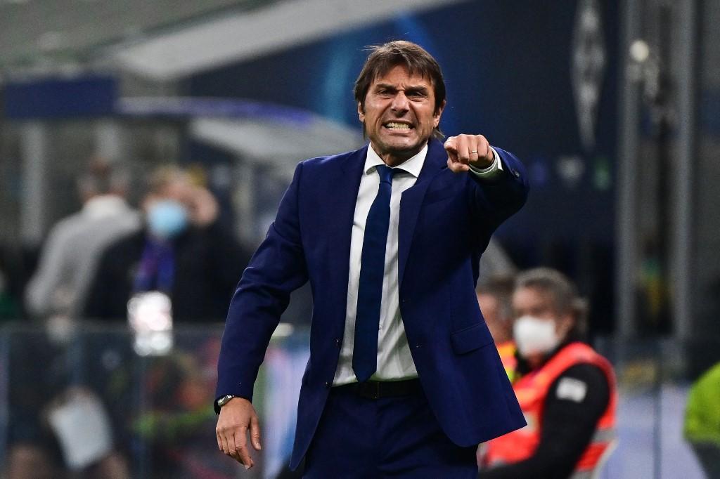 Conte a JUventus után az Intertől is sikerek után, de haraggal lépett le