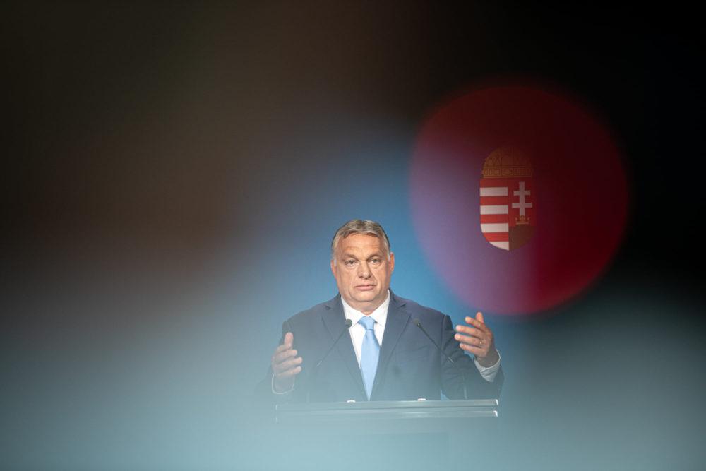 Orbán Viktor beszámolt a legújabb gazdasági és politikai döntésekről