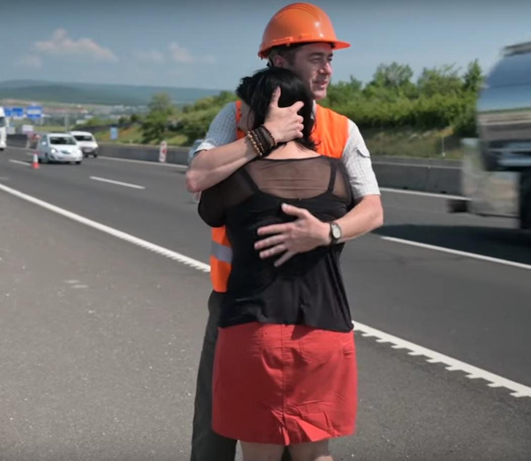 Fefelőtlen sofőr gázolta halálra férjét