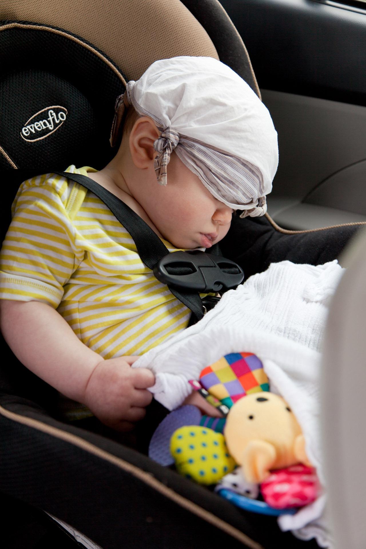 Börtön járhat az autóban hagyott gyermekért