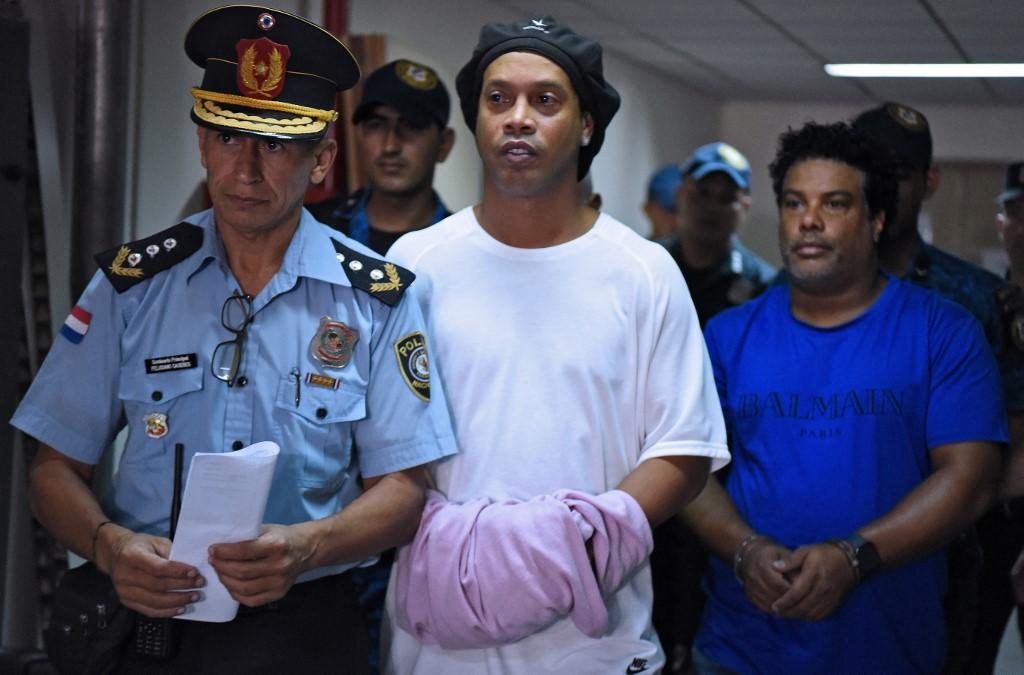 Tavaly márciusban Paraguayban csukták le, most hazájában került bajba Ronaldinho