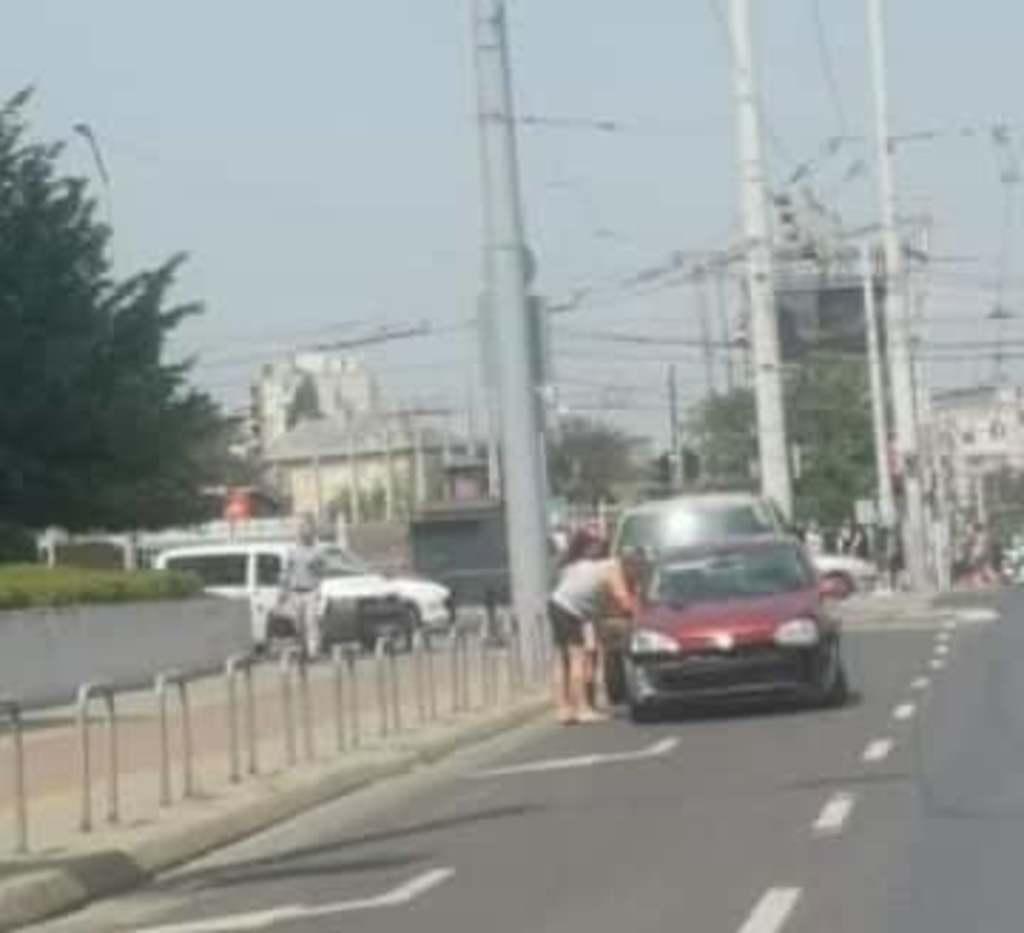 A Hungária körúton ütközött autójával Pintér Tibor, fotó a balesetről